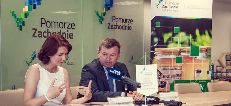 Read more about the article Miody ze Wzgórz Świeszewskich wpisane na Polską Listę Produktów Tradycyjnych